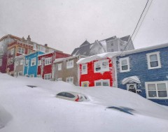 Karrewiet: Duizenden Canadese families helemaal ingesneeuwd