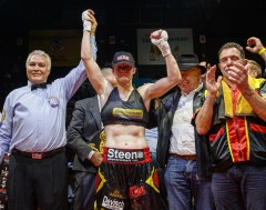 Karrewiet: Delfine Persoon heeft wereldtitel boksen