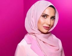 Karrewiet: model met hoofddoek in reclamespot voor shampoo