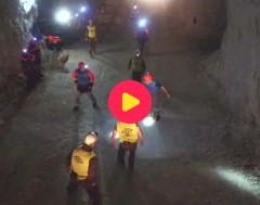 Karrewiet: Voetballen onder de grond