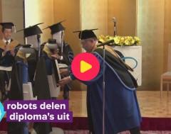 Karrewiet: Robots vervangen studenten op diploma-uitreiking
