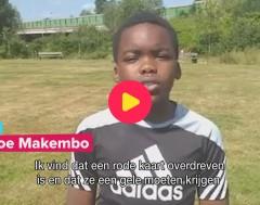 Karrewiet: Voetballers kunnen rode kaart krijgen als ze hoesten