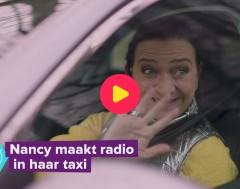 Karrewiet: Nancy maakt radio in haar taxi