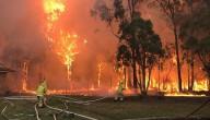 Bosbranden bedreigen huizen