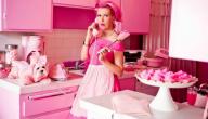 Kitten Kay Sera in haar keuken