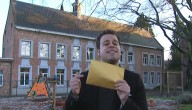 Sander met gouden envelop