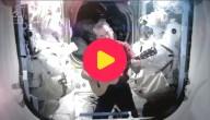 Astronaut zingt in de ruimte