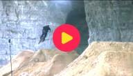 crossen in een grot