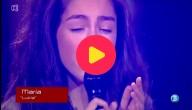 Maria aan het zingen