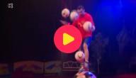 Zohra aan het jongleren