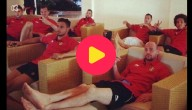 Rode Duivels kijken naar Nederland - Spanje