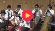 Jeugdorkest speelt met gerecycleerde muziekinstrumenten