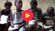 naar school in Ebolagebied