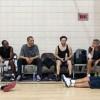Tijdens een basketbalwedstrijdje met onder meer de acteurs Tobey Maguire en George Clooney.