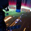 Het razendsnelle ISS vliegt 's nachts over noorderlicht.