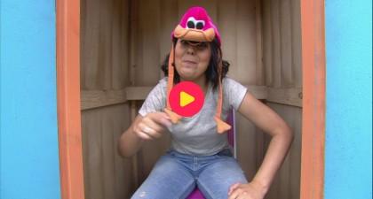 Sarah vertelt de beste mopjes om jullie eens 'hoed' te doen lachen!